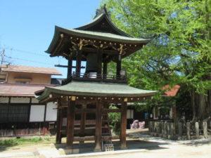 飛騨国分寺鐘楼門と梵鐘