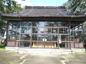 新治神社 社殿