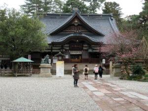 尾山神社拝殿