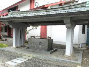 魚津神社手水舎