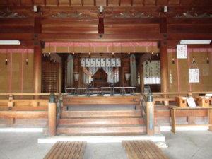 八心大市比古神社の拝殿