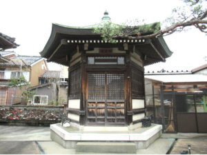 西願寺六角堂