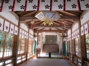 氣多神社拝殿内