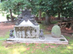 龍尾神社境内物