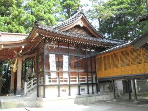 龍尾神社社殿側面