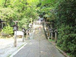 脇子八幡宮参道