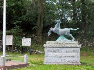 井波八幡宮神馬像