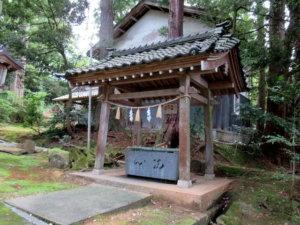井波八幡宮手水舎