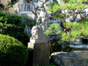 蓮華寺境内像