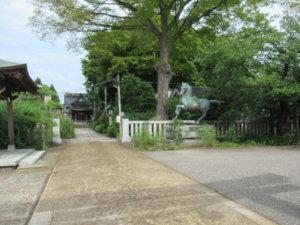 先宮熊野神社神馬像