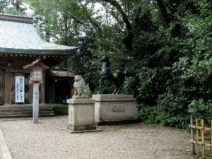 高岡市護國神社神馬像