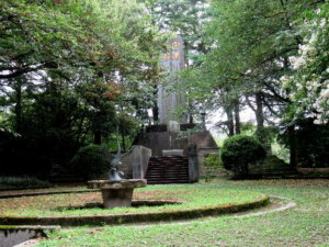高岡市護國神社忠魂碑