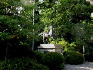 高瀬神社神馬
