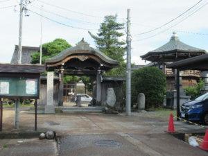 徳城寺全景